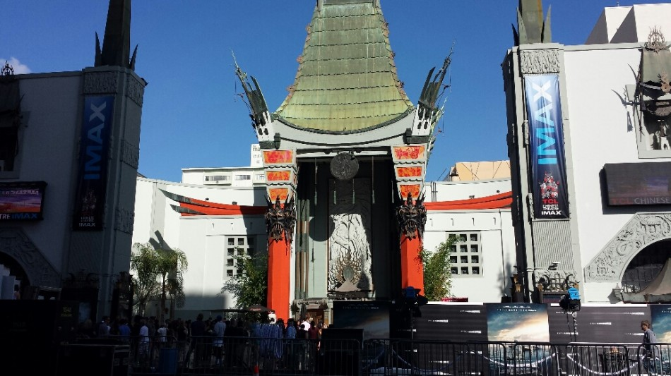 D2 chinese theater front