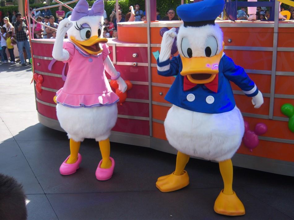 Donald and Daisy Duck © Loren Javier