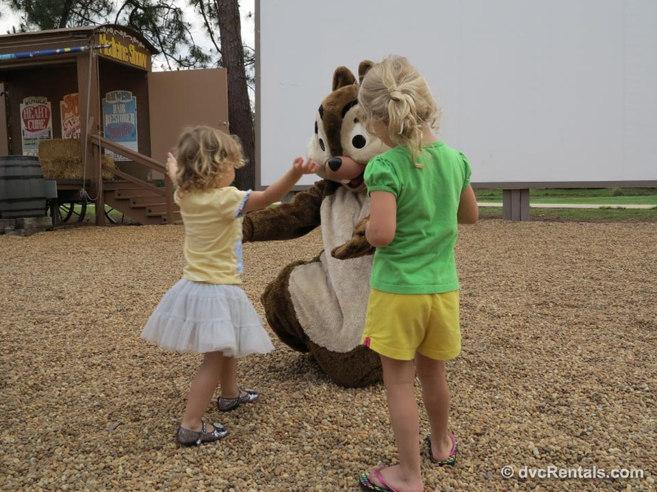 Chip 'N Dale's Campfire Sing-A-Long with Kids