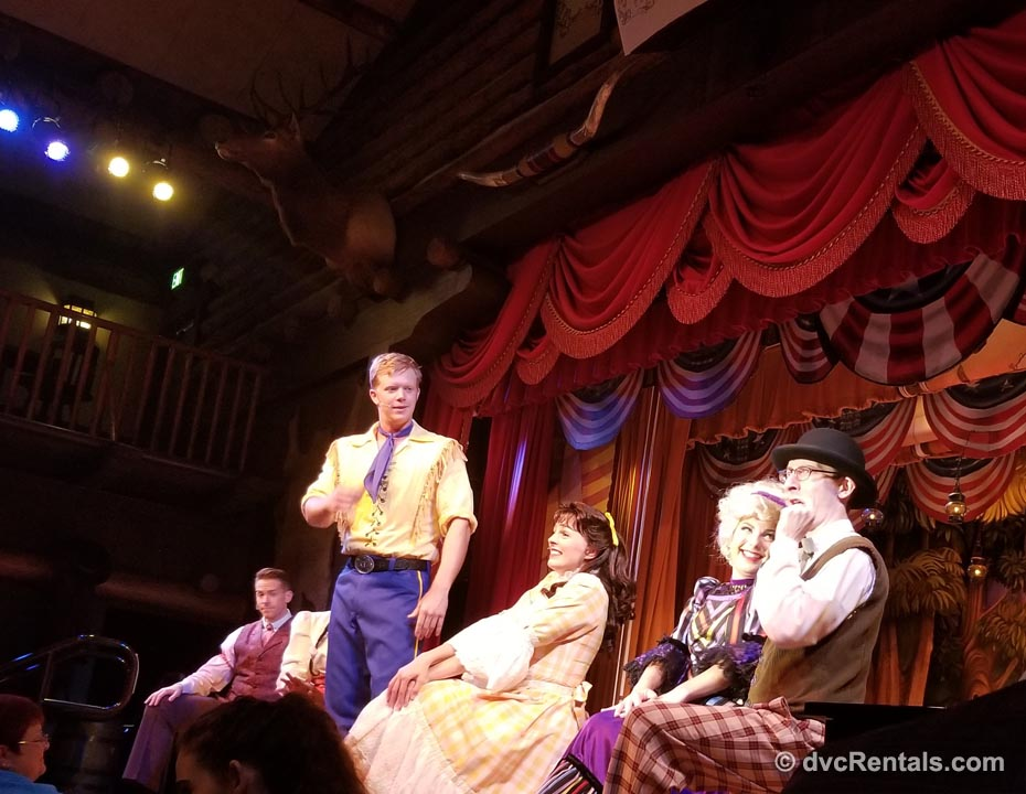 Hoop Dee Doo Show at Disney