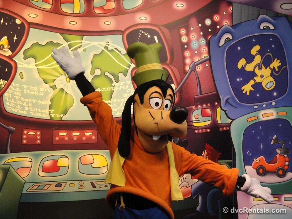 Goofy at Epcot Character Meet and Greets