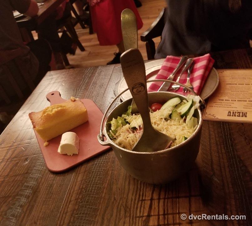 Cornbread and fried chicken at Hoop Dee Doo