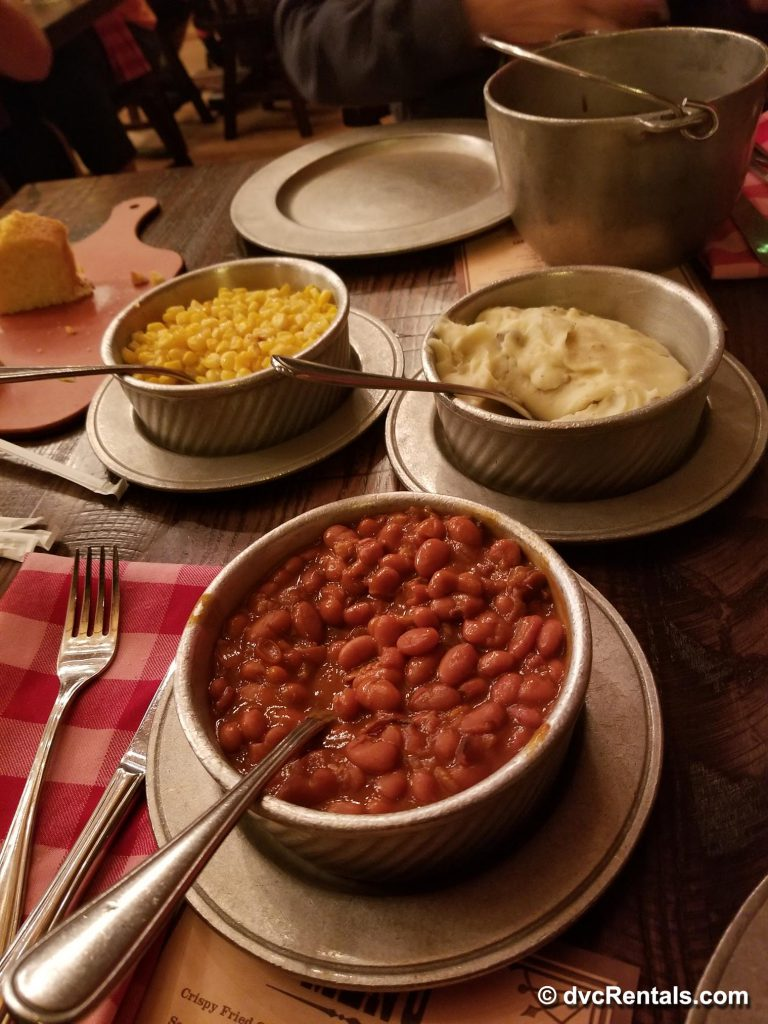 Hoop-Dee-Doo Musical Revue 3-course meal 2