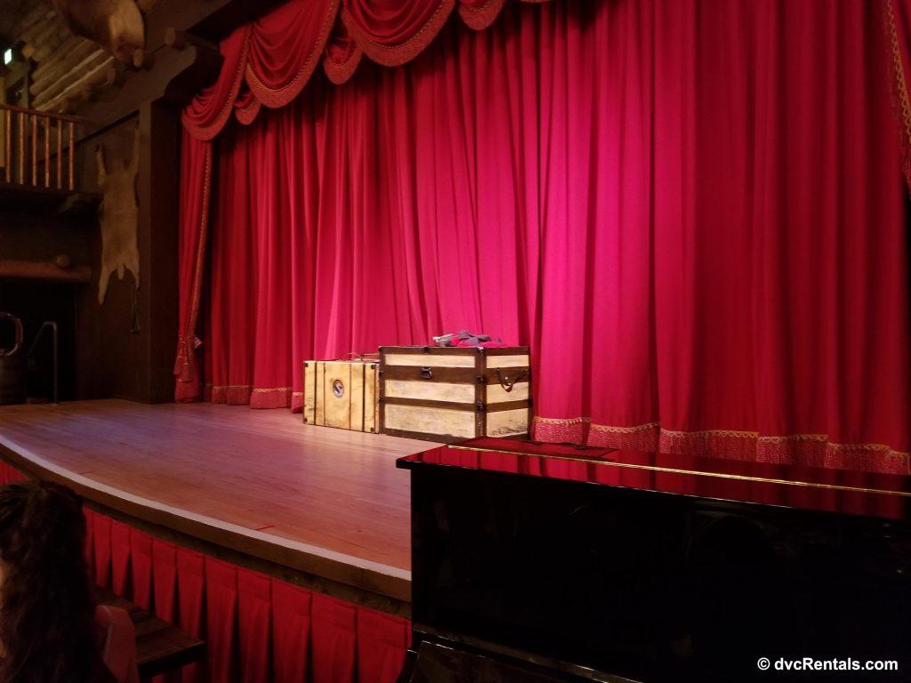 Hoop-Dee-Doo Musical Stage