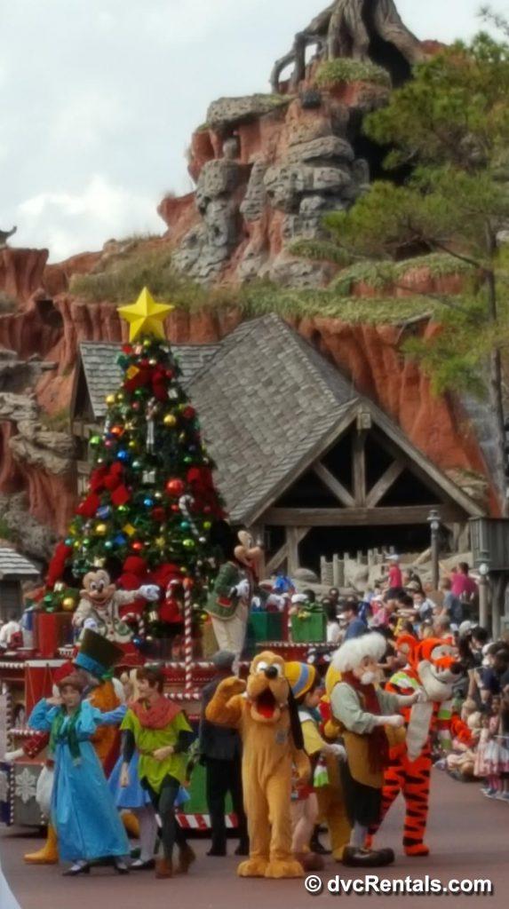 Start of Disney Christmas Parade