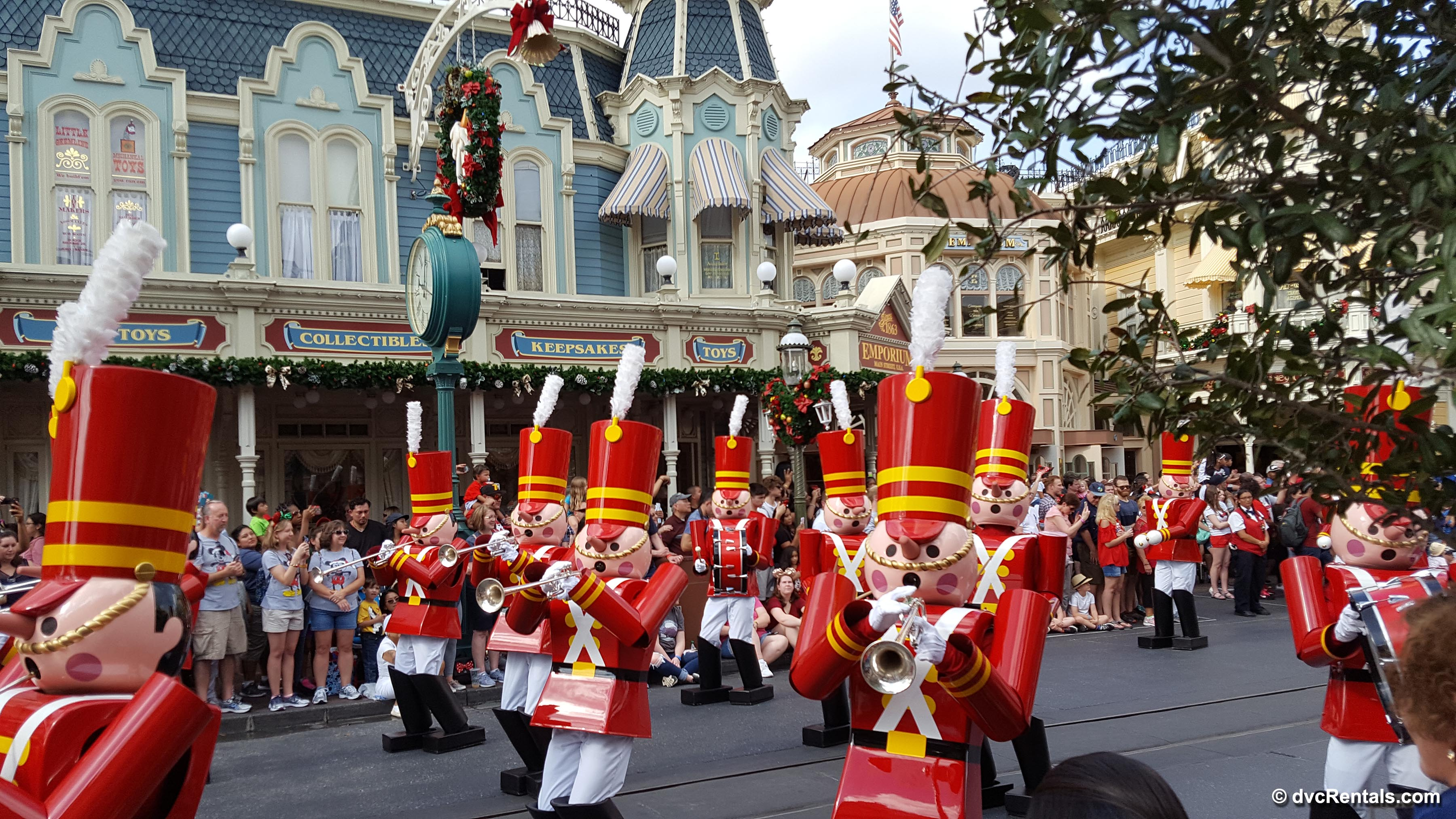 christmas parade at the magic kingdom