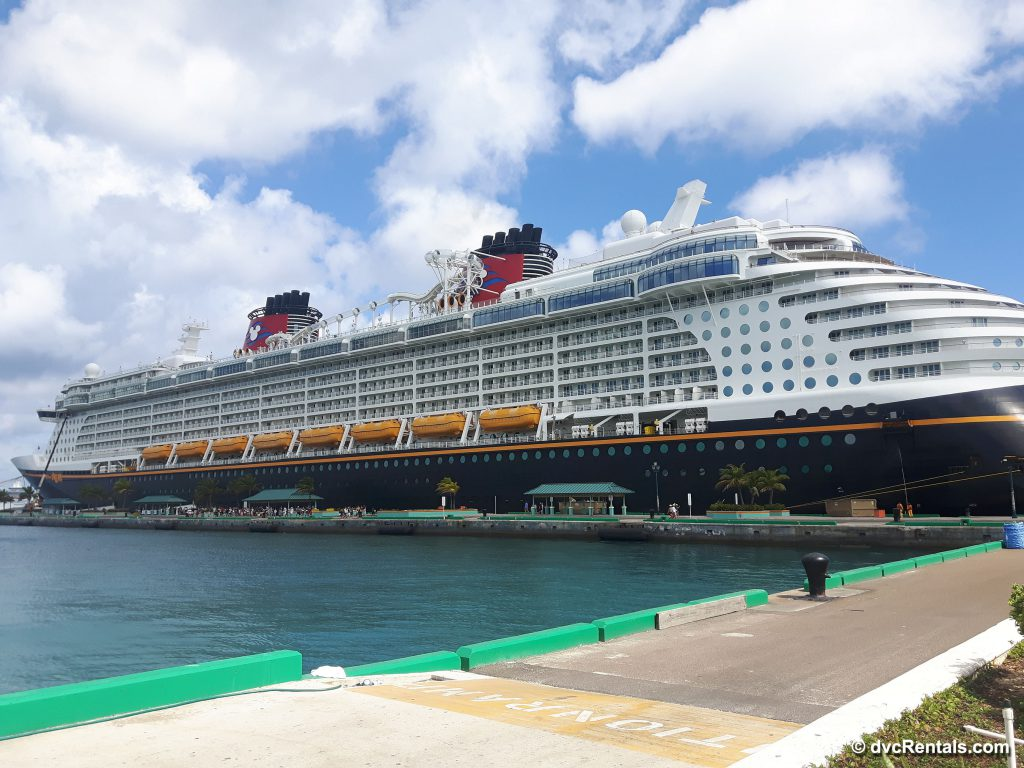 Picture of exterior of Disney Dream