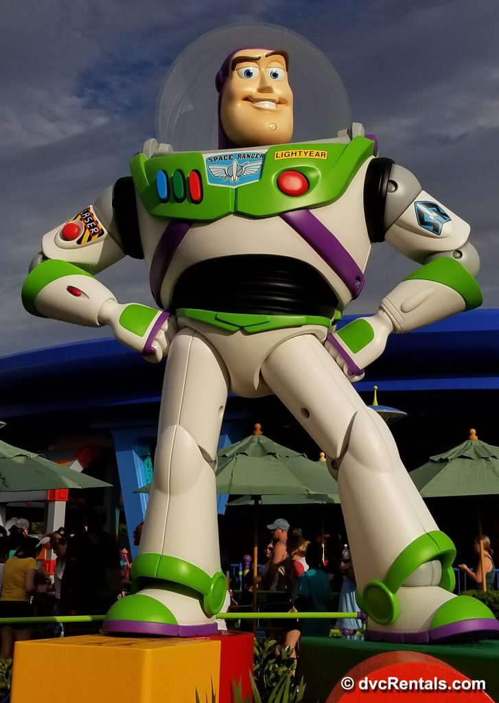 Large figurine of Buzz Lightyear in Toy Story Land