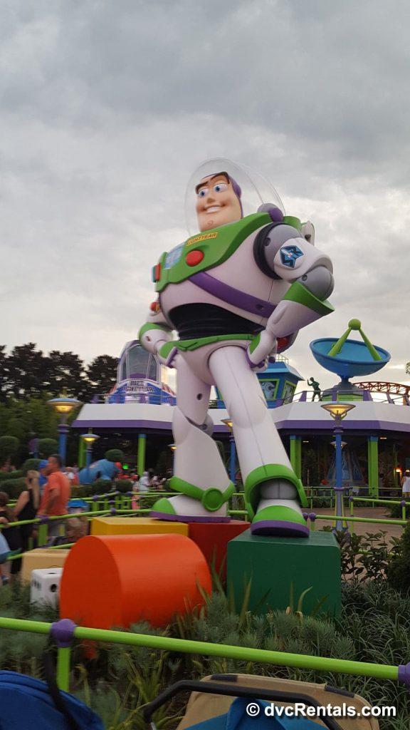 Giant Buzz Lightyear figurine