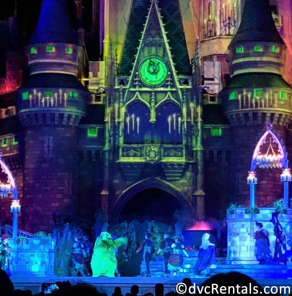 Hocus Pocus Villain Spelltacular Show at Magic Kingdom