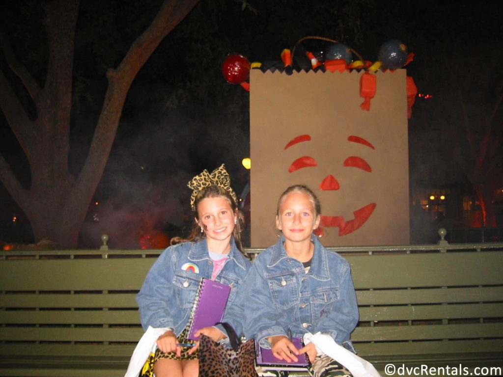 Team Member Cassie and her sister as children, at the MNSSHP