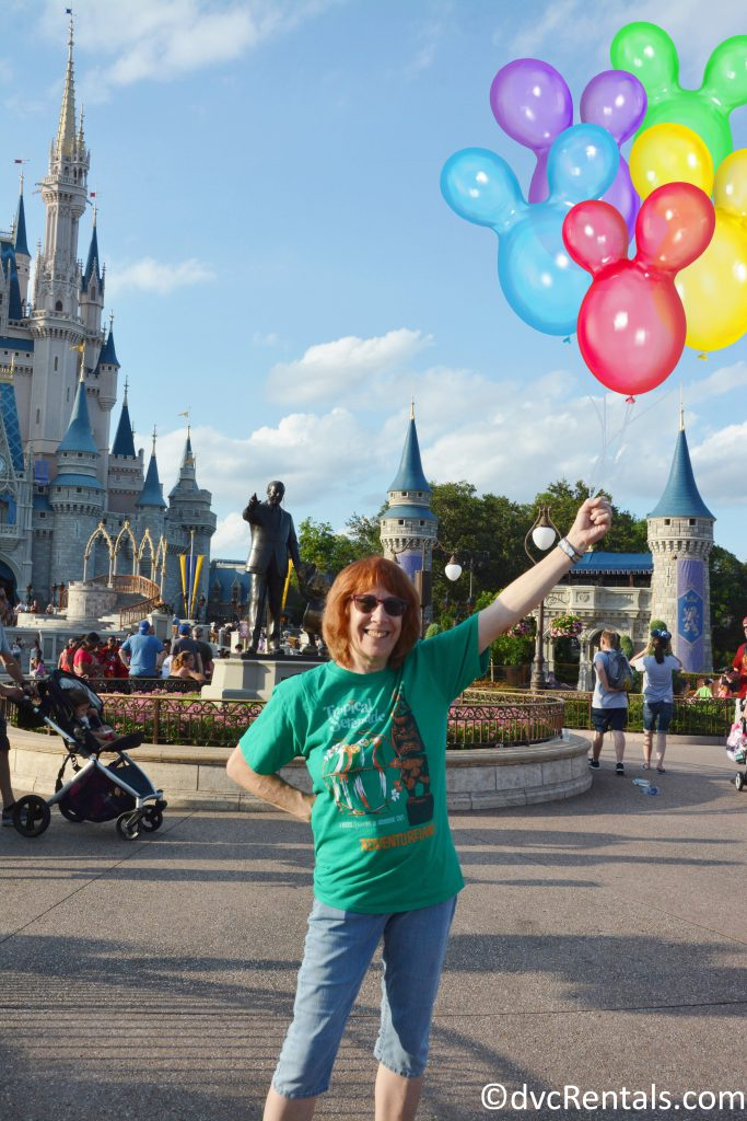PhotoPass picture with balloons added in