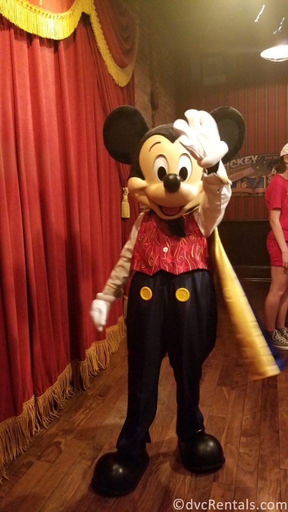 Mickey Mouse waving hello