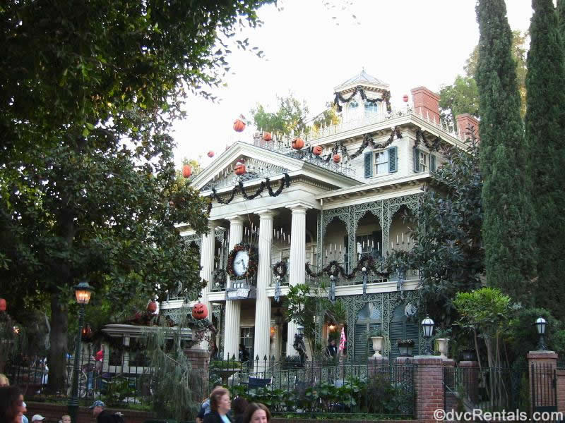 Disneyland Haunted Mansion Halloween Makeover