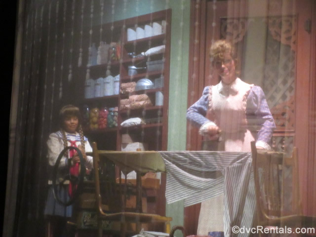 Mom and mystery daughter from the Carousel of Progress