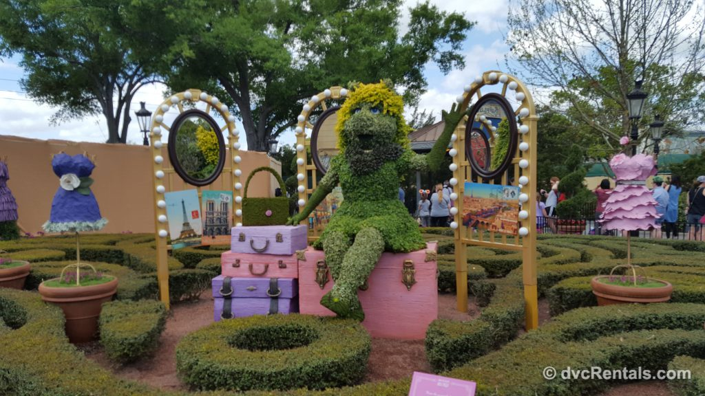Miss Piggy topiary at Epcot's International Flower and Garden Festival 2019