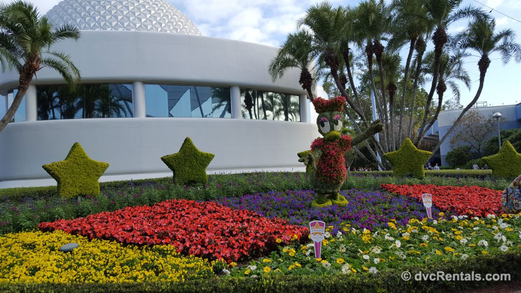 Daisy Duck topiary at Epcot's International Flower and Garden Festival 2019