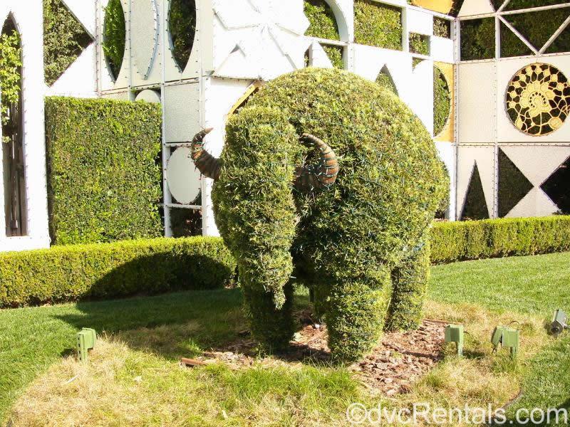 It's a Small World Topiary Disneyland