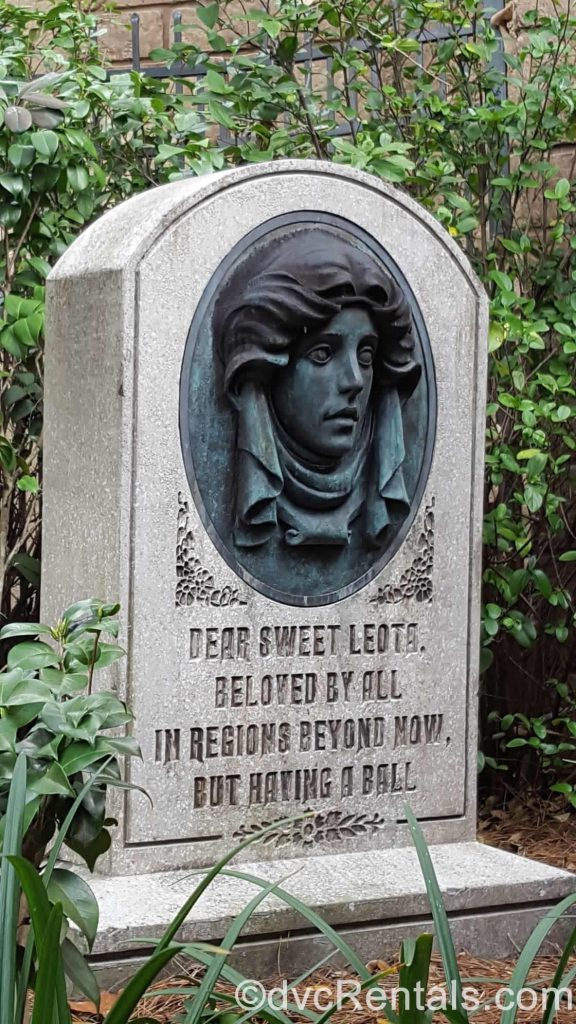 Madame Leota's tombstone