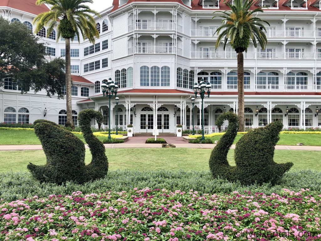 Swan topiaries at the Villas at Disney's Grand Floridian Resort & Spa