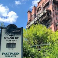 Exterior picture of the Tower of Terror with the Standby wait time showing