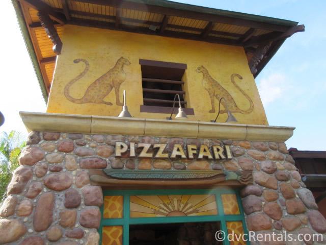 Pizzafari sign