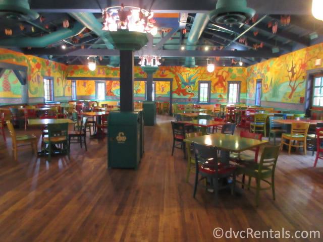 interior dining room at Pizzafari