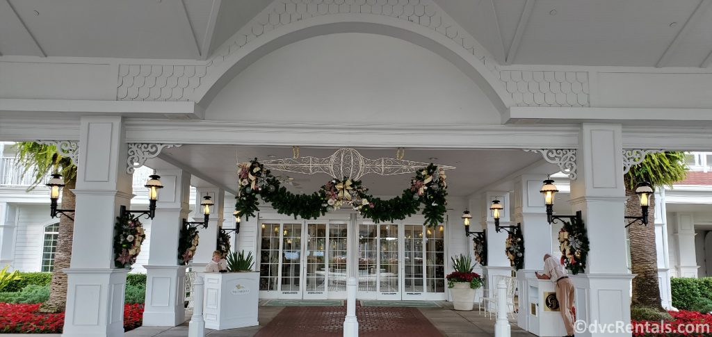 outdoor decorations at the Villas at Disney's Grand Floridian