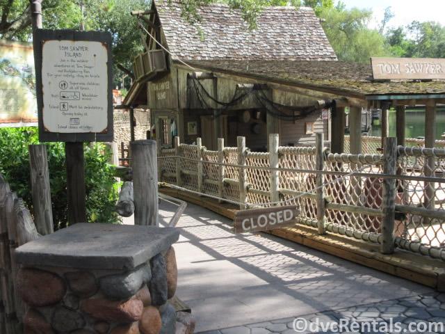 Tom Sawyer Island sign saying it's closed