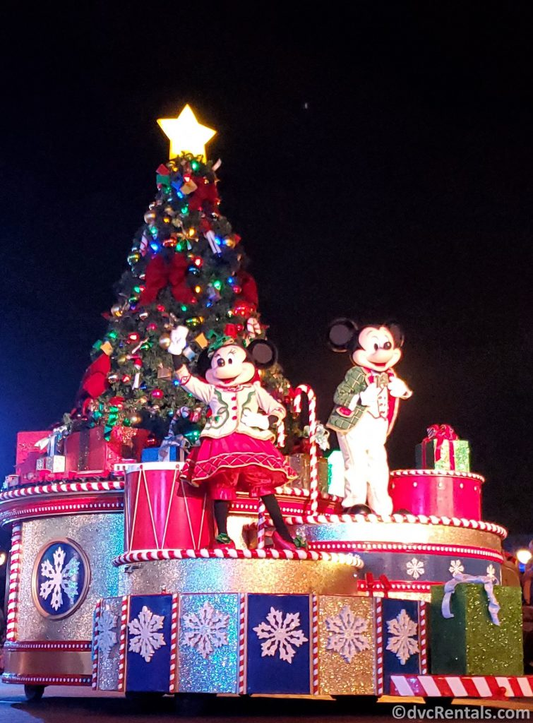 Mickey and Minnie Christmas clothes