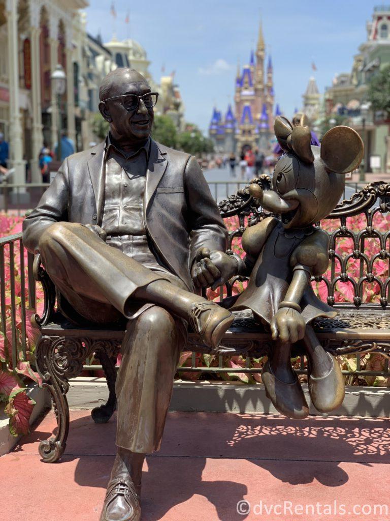 Roy and Minnie statue at the Magic Kingdom