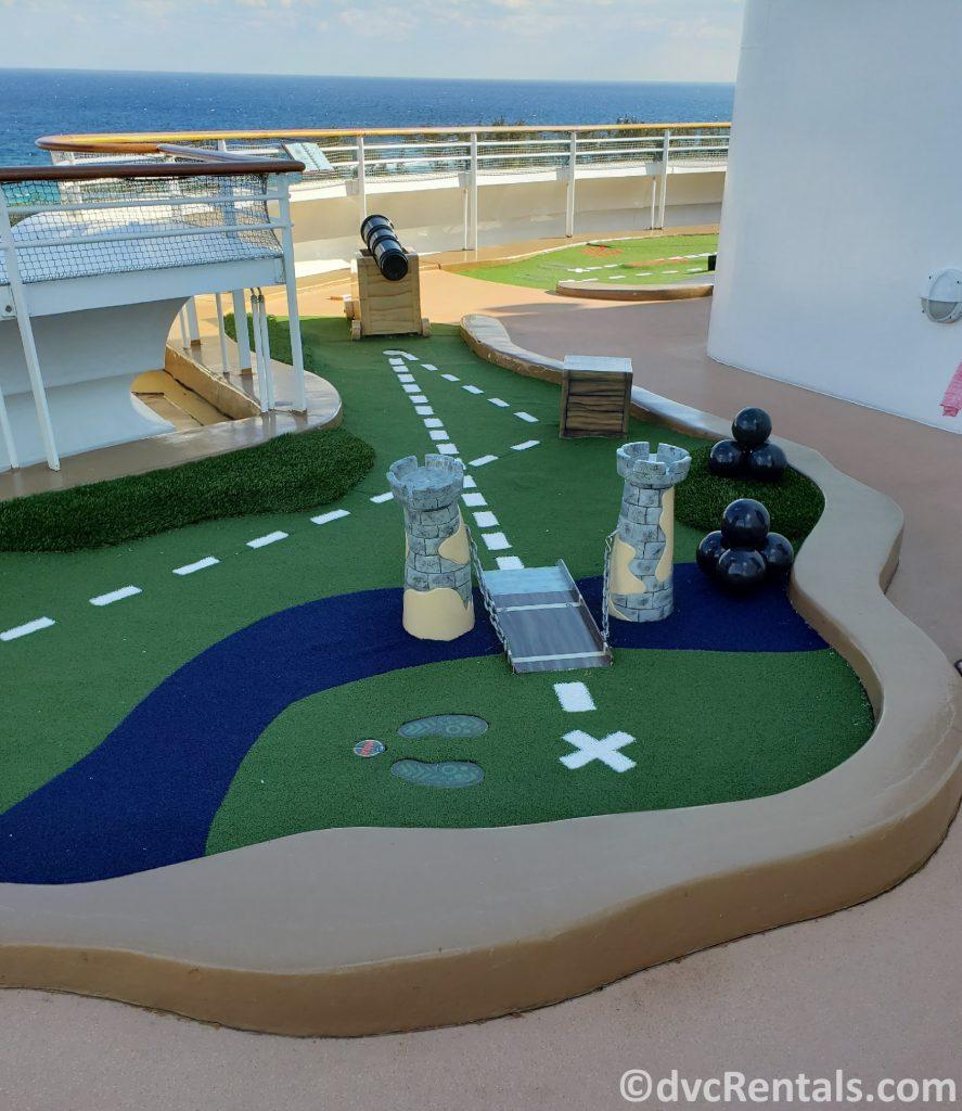 Mini-golf course on the Disney Dream