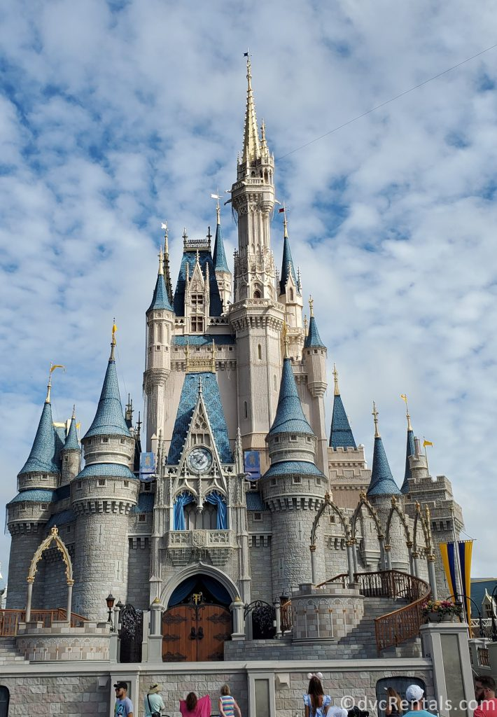 Cinderella Castle with old color scheme from January 2020