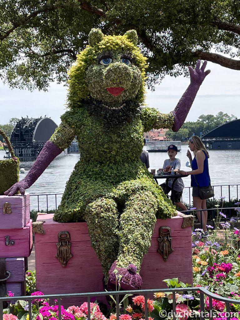 Miss Piggy Topiary at the Taste of Epcot International Flower & Garden Festival