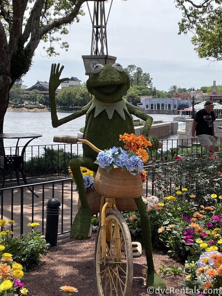 Kermit the Frog Topiary Taste of Epcot International Flower & Garden Festival