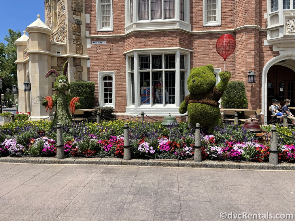 Winnie the Pooh and Rabbit topiaries at the Taste of Epcot International Flower & Garden Festival