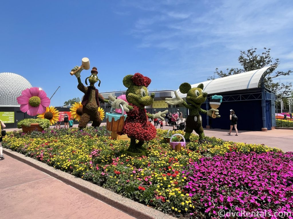 Minnie, Goofy and Mickey Topiaries