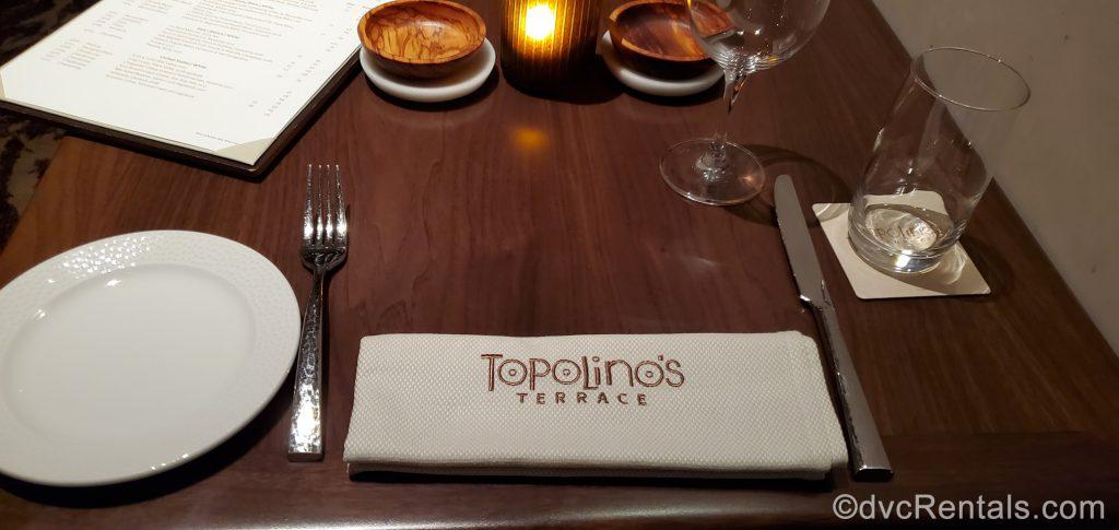table setting at Topolino's Terrace
